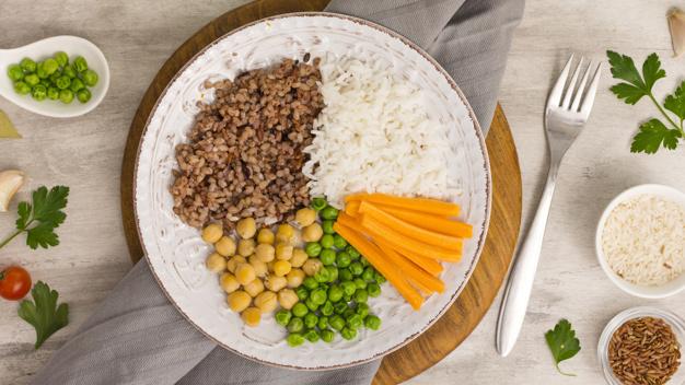 combinar alimentos1 - Como ter uma alimentação saudável na correria do dia a dia