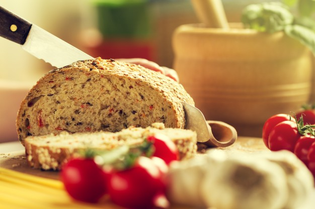 pao integral - Como ter uma alimentação saudável na correria do dia a dia