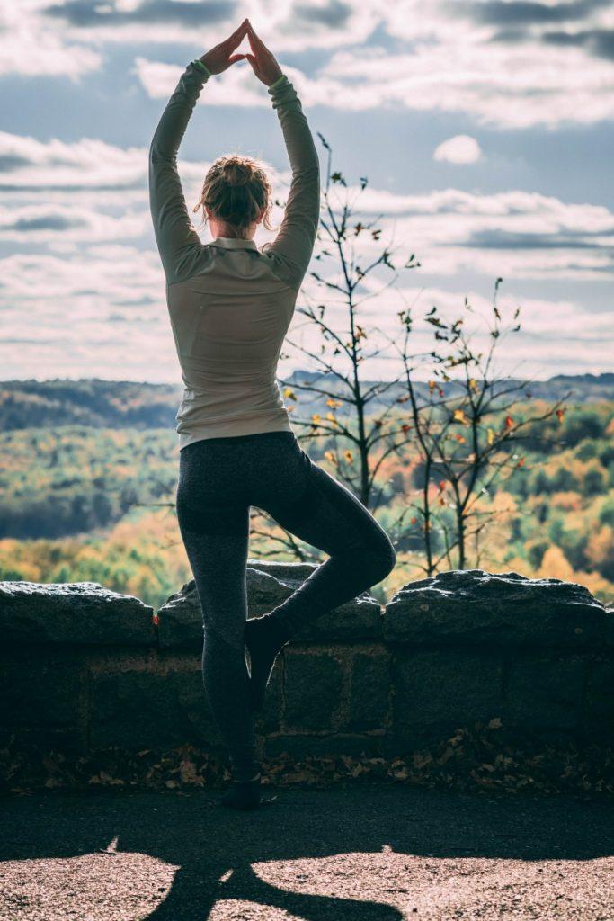 redução do estresse 5 1 683x1024 - Melhores exercícios para a redução do estresse