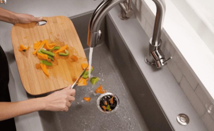 trituradorderesiduos 1 - Equipamentos elétricos para a cozinha: praticidade, economia e sustentabilidade